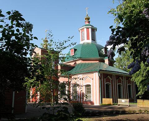 Воронцово. Церковь во имя Живоначальной Троицы