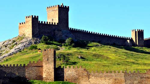 Генуэзская крепость в Судаке. Статьи про путешествия на сайте http://countryscanner.ru/